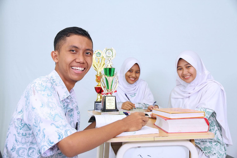 Dua Siswa SMA Yabis Wakili Bontang di Perlombaan PAI Tingkat Nasional