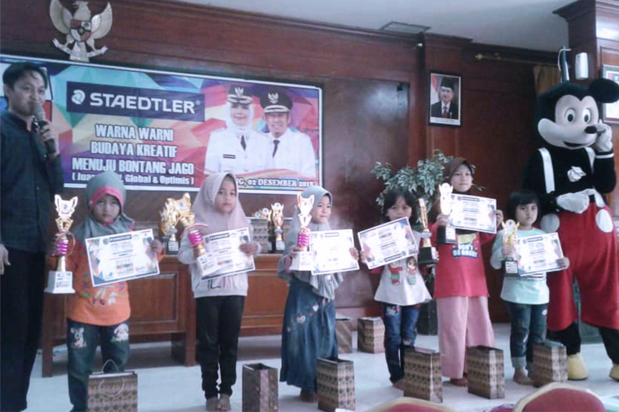 TK IT YABIS Juara 1 Mewarnai Dalam Rangka HUT Kota Bontang