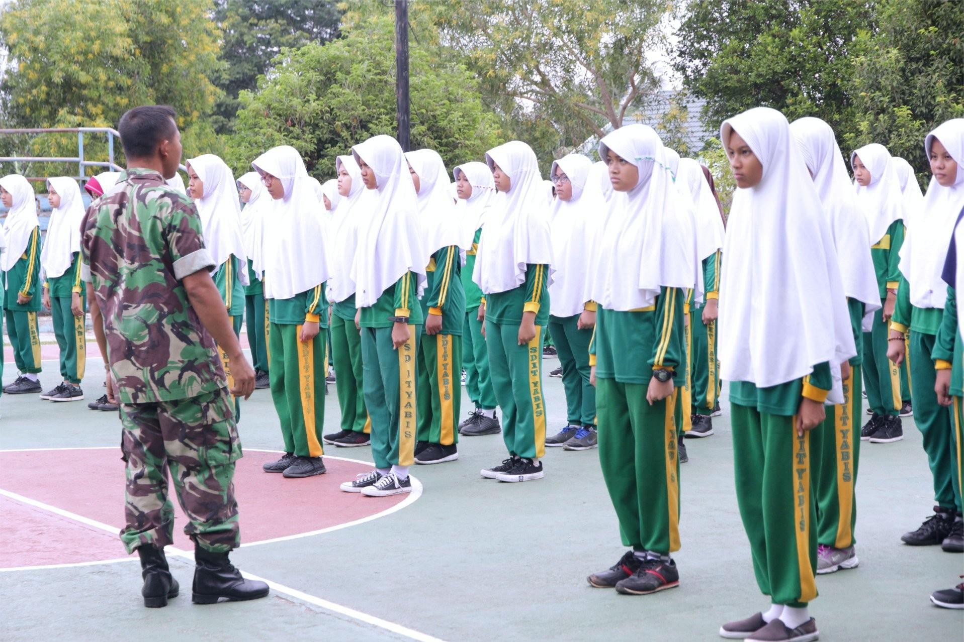 Bentuk Karakter Disiplin, Siswa SD IT YABIS Mengikuti Pelatihan PBB