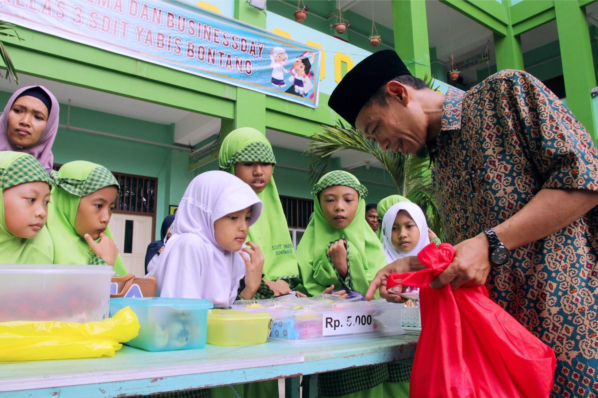 Kuatkan Karakter dan cinta Olahan Nusantara, Siswa SD IT YABIS Ikuti Buisness Day