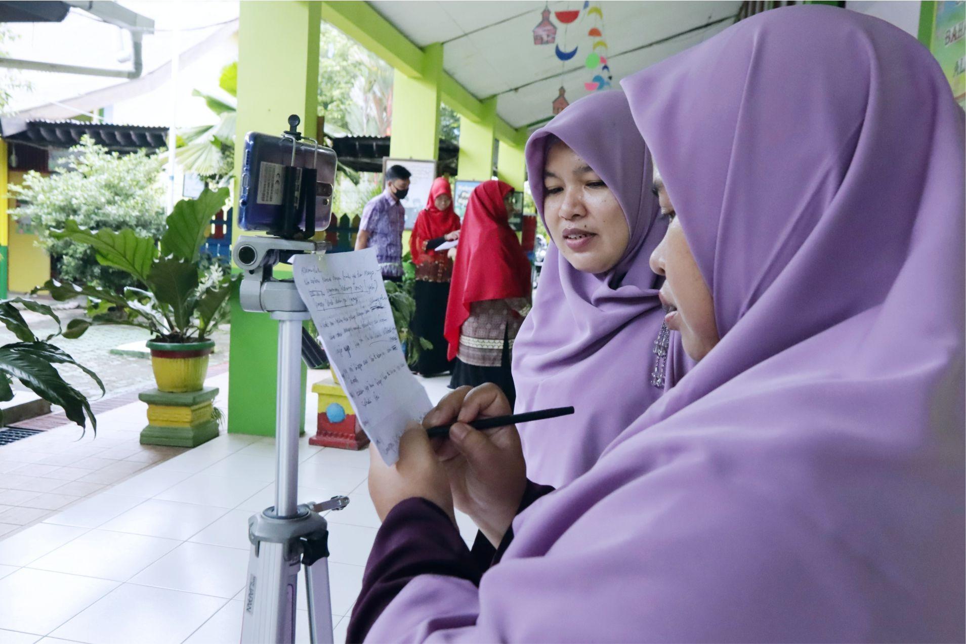 Guru Hebat, Guru Milenial. 20 Guru TK IT YABIS Ikuti Pelatihan Editing Video