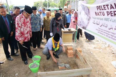 peletakan-batu-pertama-masjid-4-lantai-fatima-zahra(1).jpg